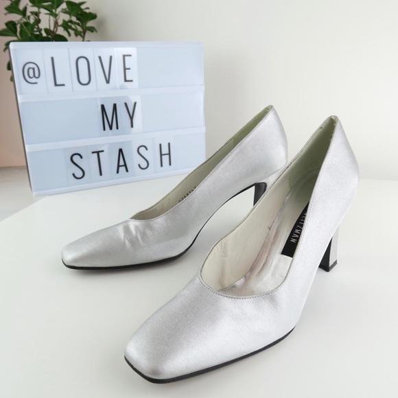 Stuart Weitzman Shoes | Silver Pumps